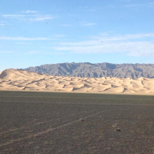 147 dunes Khongor