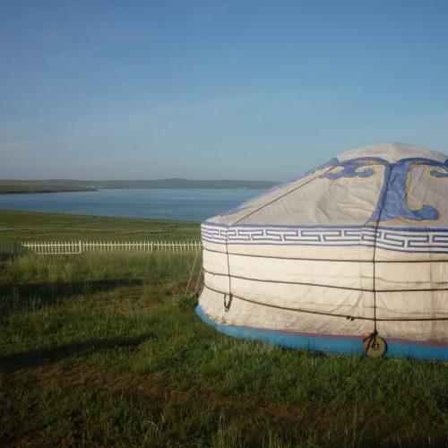 12 Yourte Lac Ogii